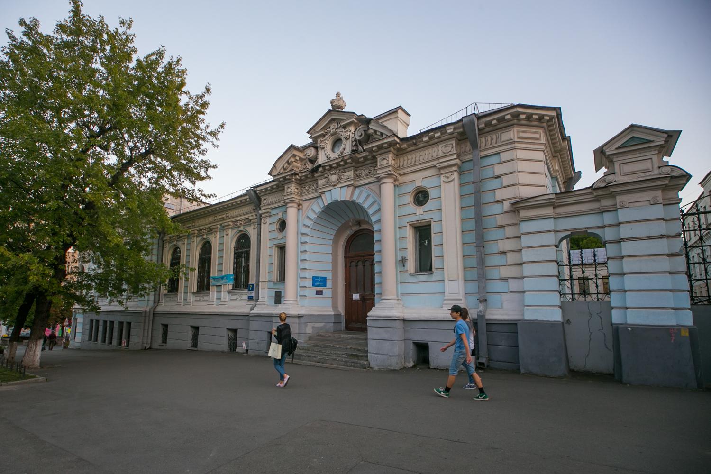 Улица Льва Толстого, 7 – бывший особняк семьи Терещенко