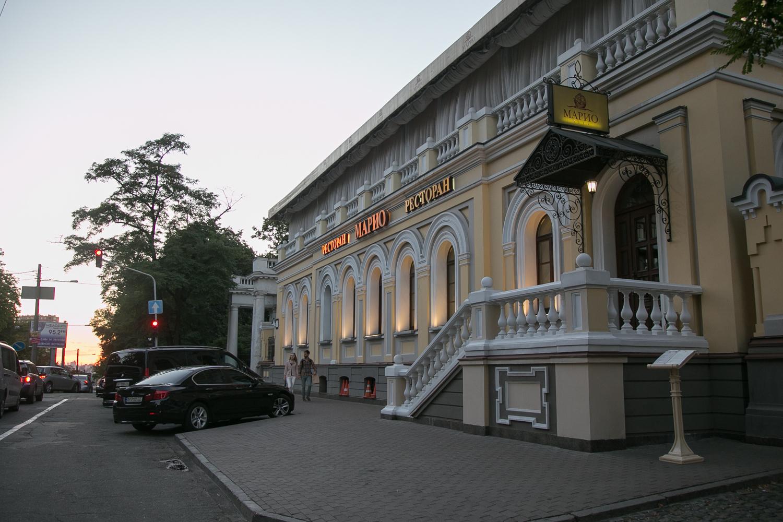 Улица Льва Толстого, 14 – дом физика Авенариуса