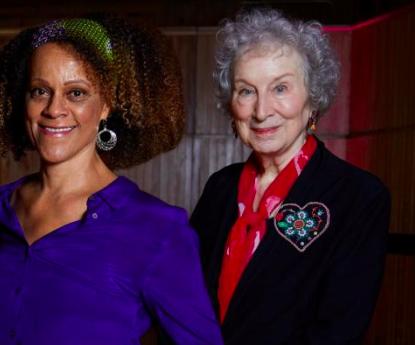 Лауреатами Букеровской премии стали сразу две писательницы