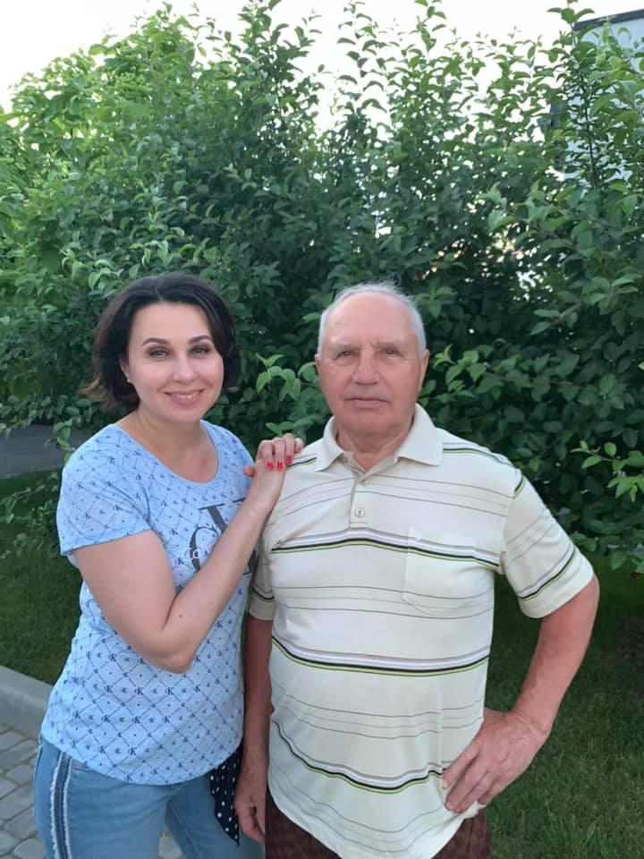"""Наталія Мосейчук не приховуючи сліз показала особливе фото: """"так хотілося кинутися йому на шию!"""""""