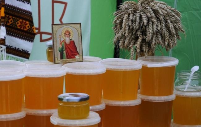Медовий Спас 2019: суворі заборони і традиції Маковія в Україні