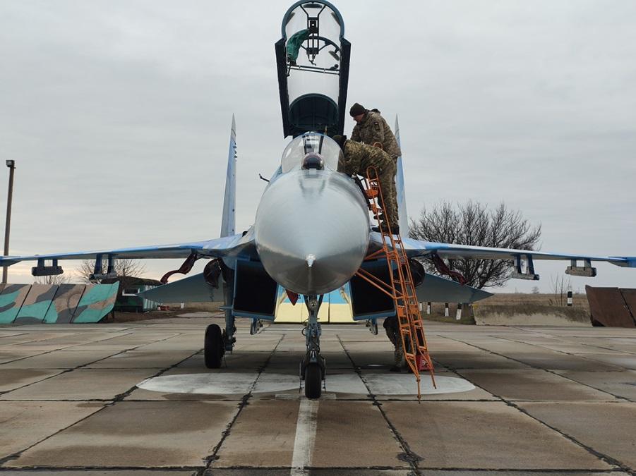 Украинские воины получили сверхмощный истребитель: фото суперсамолета