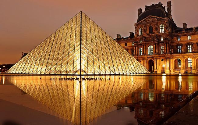 Названі найпопулярніші визначні пам'ятки світу