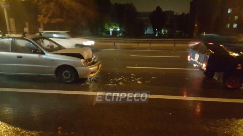 ВКиеве столкнулись 5 автомобилей— Еспресо
