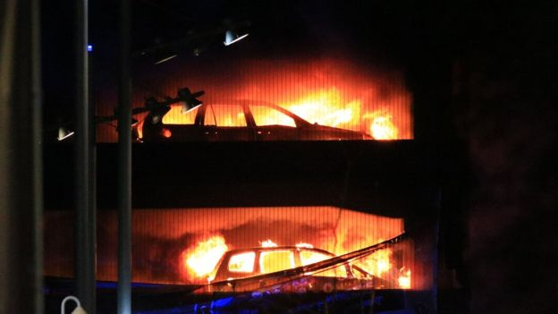 ВЛиверпуле впожаре было уничтожено 1,4 тыс. авто