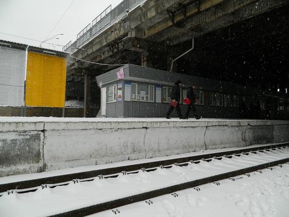 ВКиеве женщина бросилась под поезд