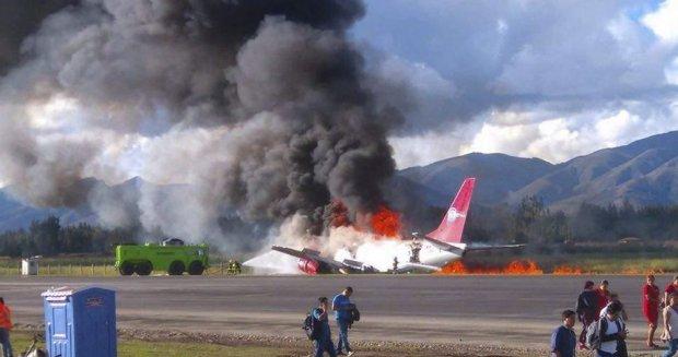 ВПеру при посадке зажегся пассажирский Boeing