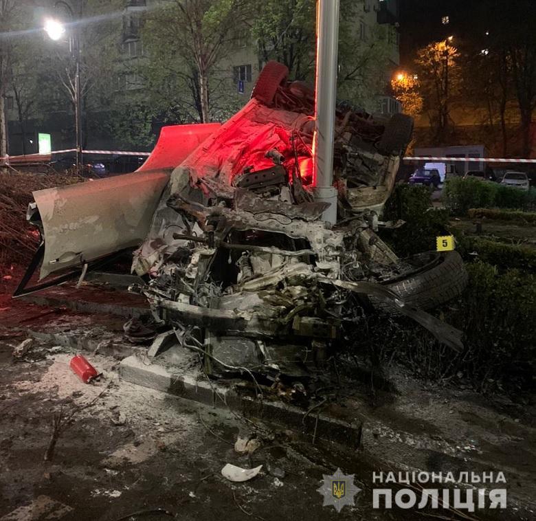 """У центрі Києва п'яний """"мажор"""" на Infinity вбив свою 18-річну пасажирку: що йому загрожує"""