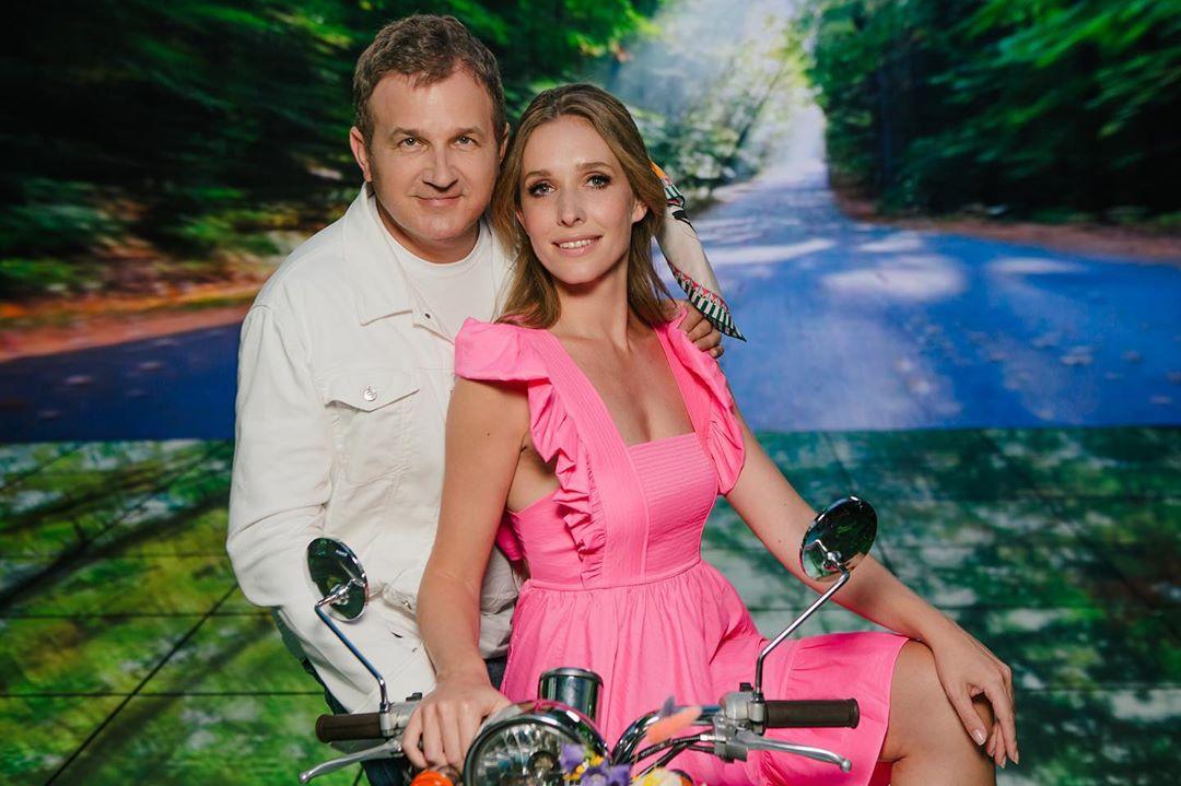 Так мило: Юрий Горбунов попал в сеть с милым фото с Катей Осадчей