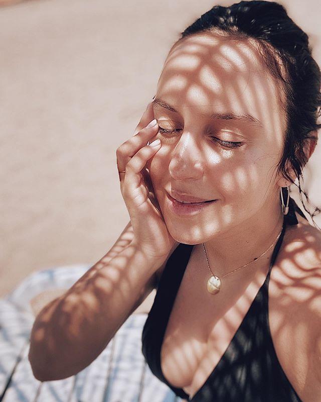 Как девушка: Джамала в купальнике покорена пышным бюстом и природной красотой