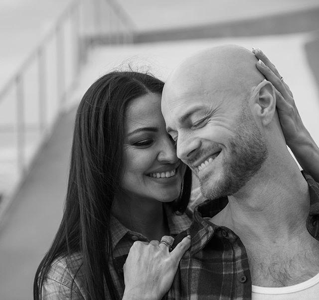 Встретились глазами: Влад Яма с женой растрогали признаниями в особую для них дату