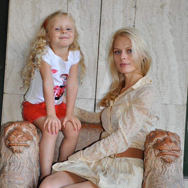 Живые воспоминания: Фреймут поделилась редким архивным фото с дочкой и раскрыла ее детские тайны
