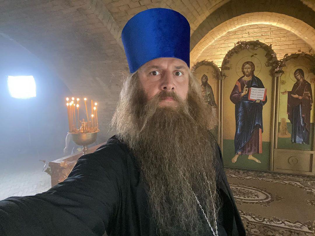 Потап подался в священники: батюшка, благослови!