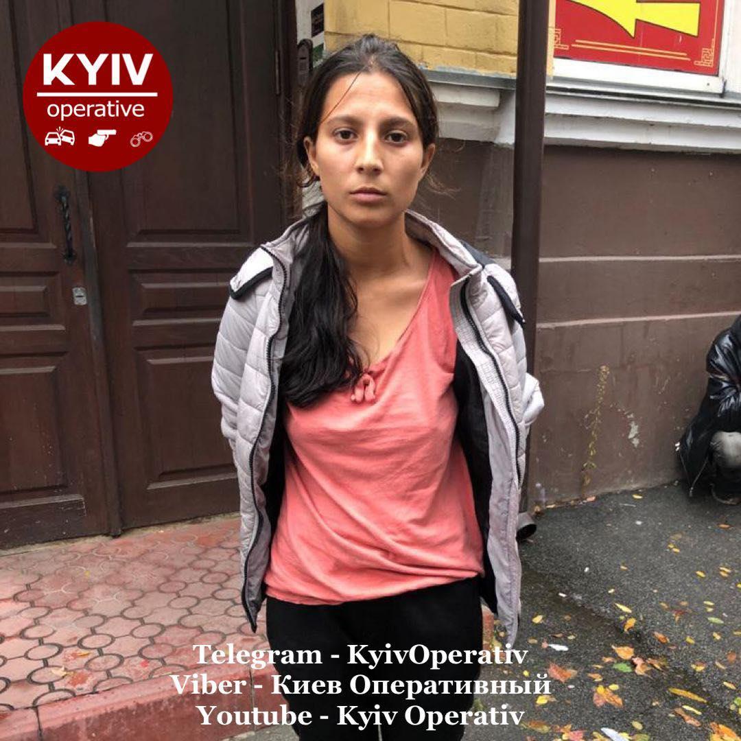 Одна отвлекает, другая прикрывает, третья крадет: в Киеве поймали банду воровок