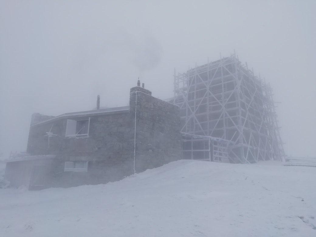 Карпаты завалило снегом: в горах -10 и настоящая зима (фото)