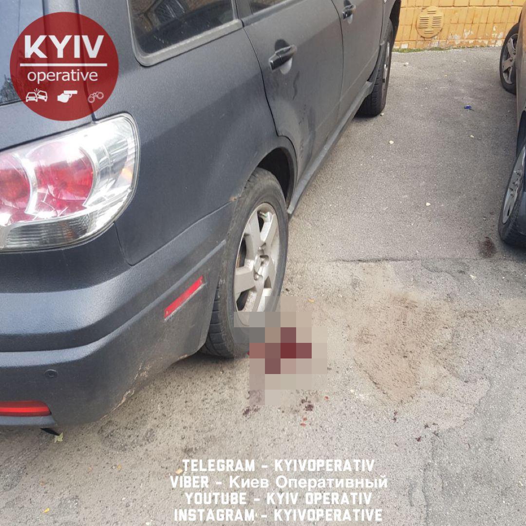 Залишив записку: у Києві з вікна вистрибнув викладач вишу