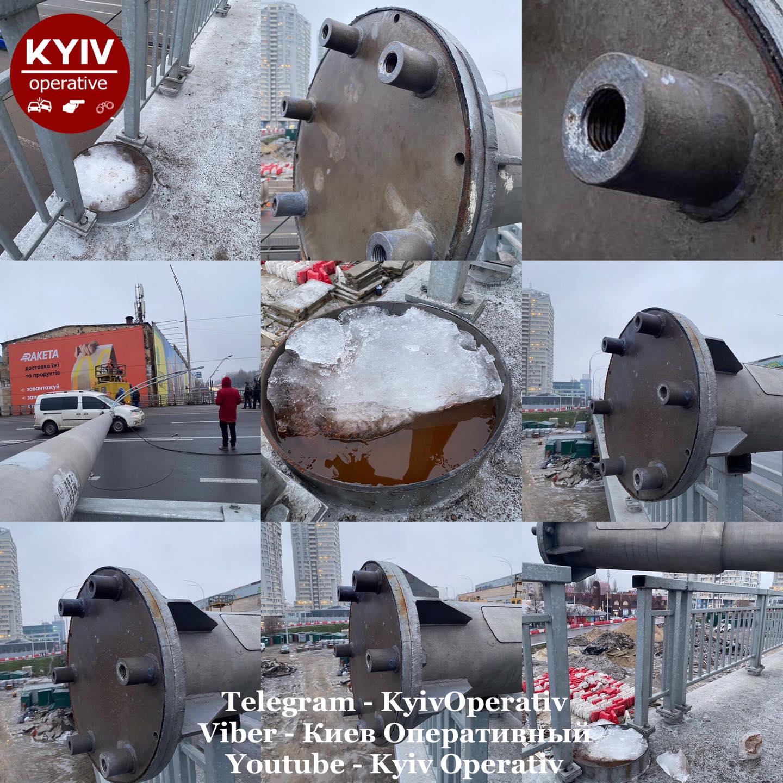 В сети появилось видео падения столбов на Шулявском мосту в Киеве