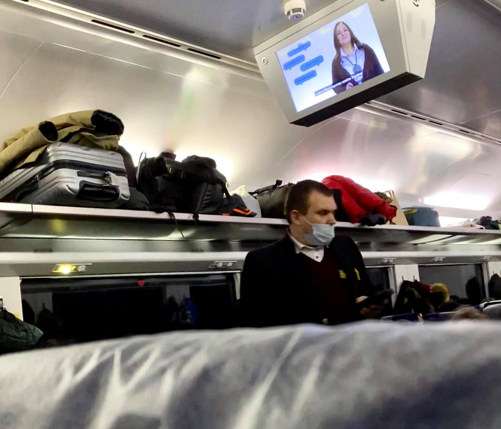 В поезде Укрзализныци разгорелся новый скандал: коронавируса нет!