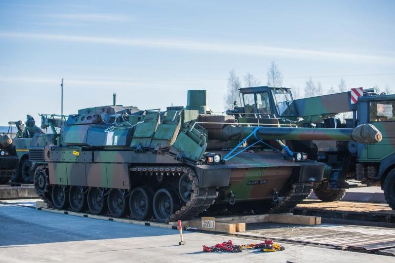 Враг применил танки и артиллерию калибром 122 мм при обстреле Водяного, Широкино и Зенита, - пресс-центр штаба АТО - Цензор.НЕТ 9703