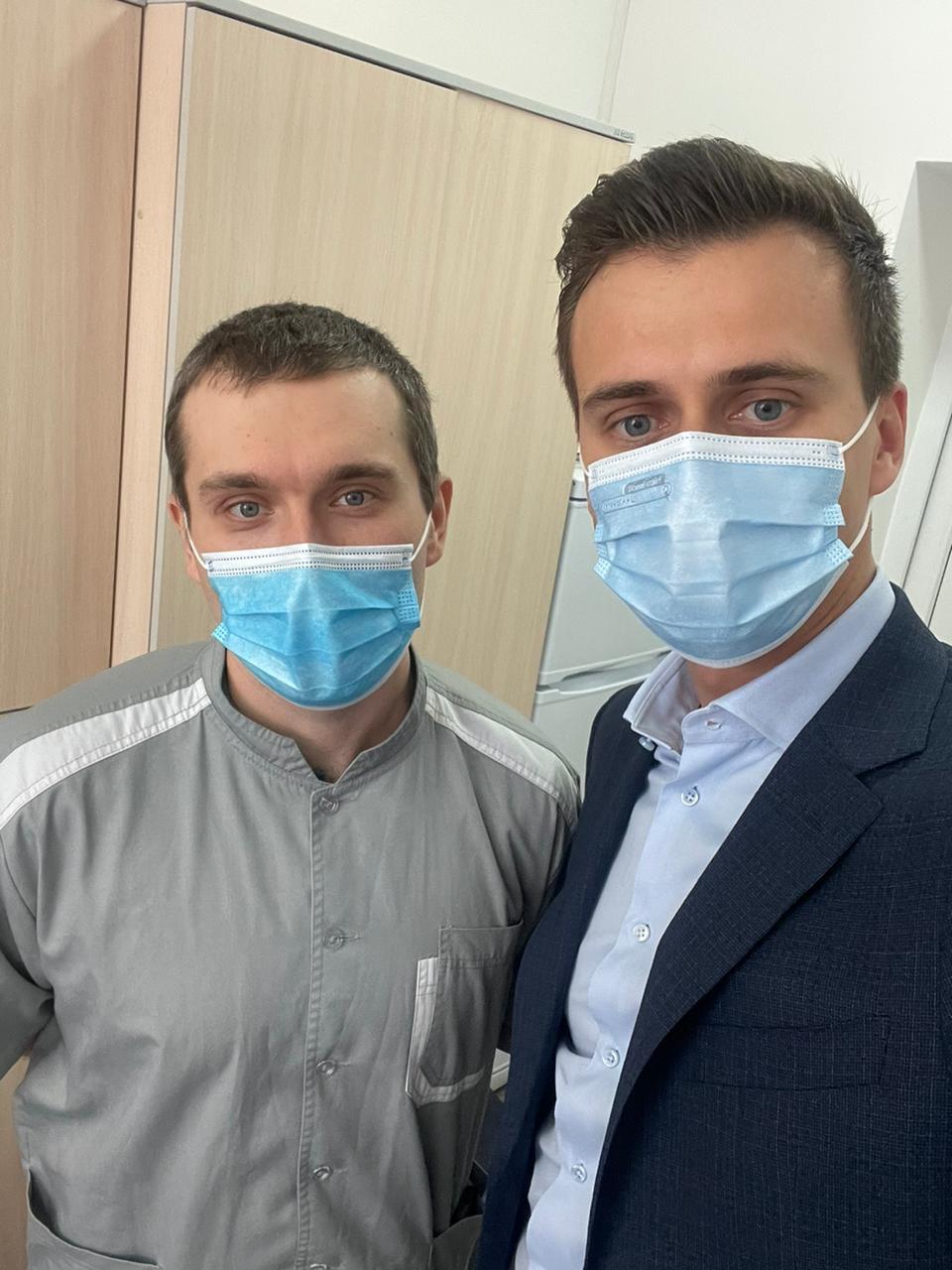 Стало відомо, хто в Україні першим вакцинувалася від COVID: це не політик