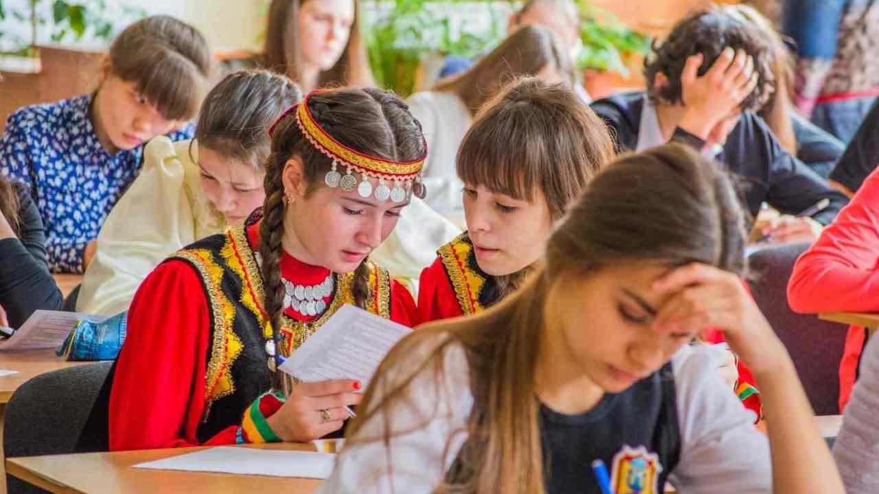 В крымской школе на уроке умер ребенок