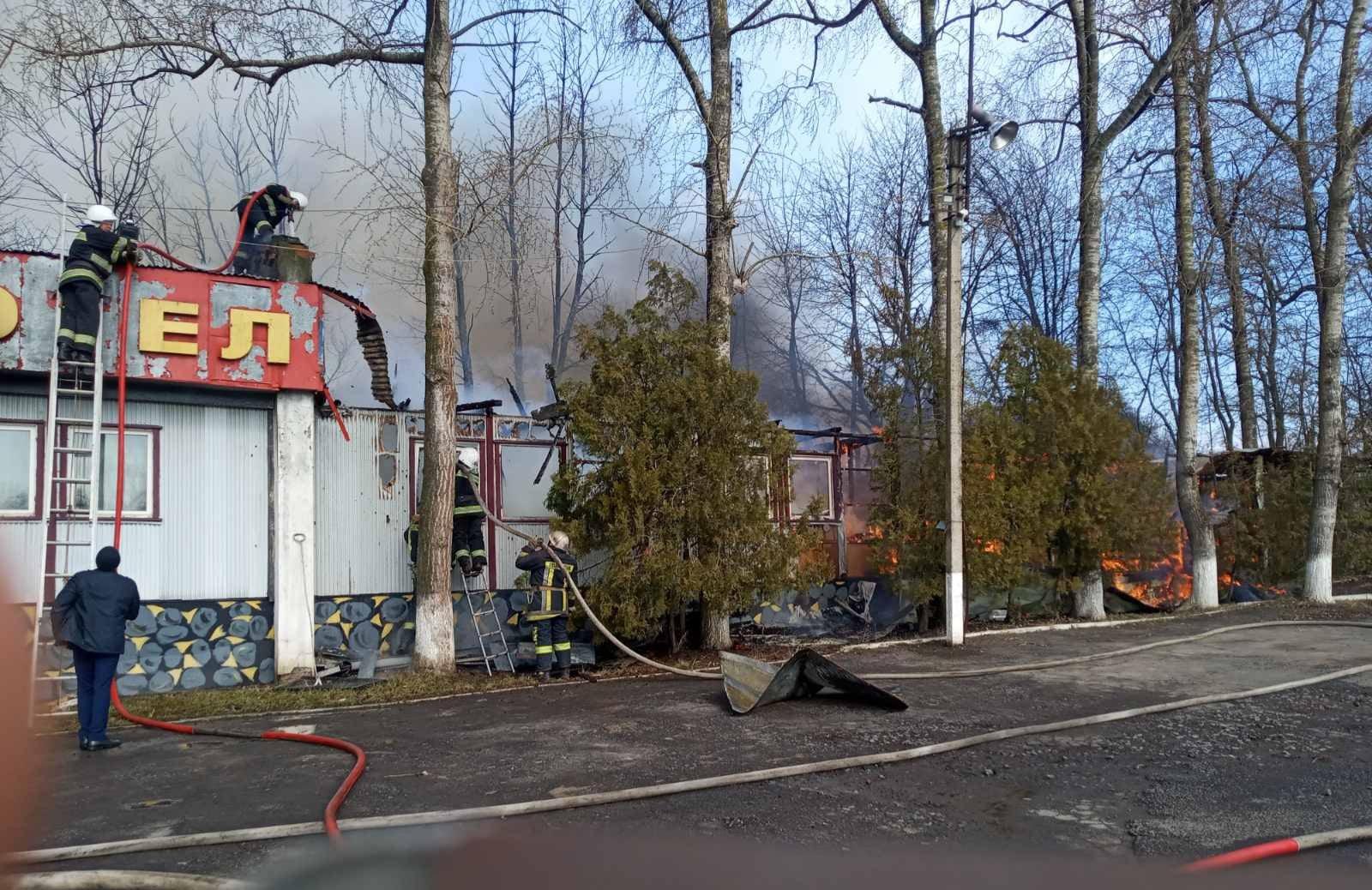 В Винницкой области произошел пожар в одноэтажной кемпинг-гостинице, никто не пострадал