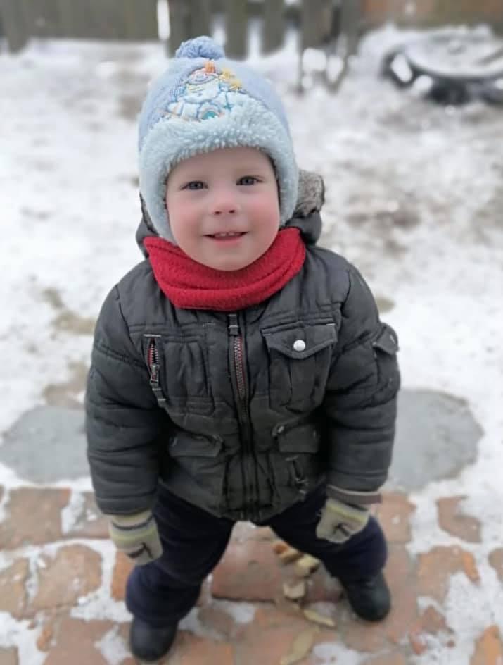 Під Києвом розгорнули пошук зниклого 2-річного малюка: людей благають про допомогу