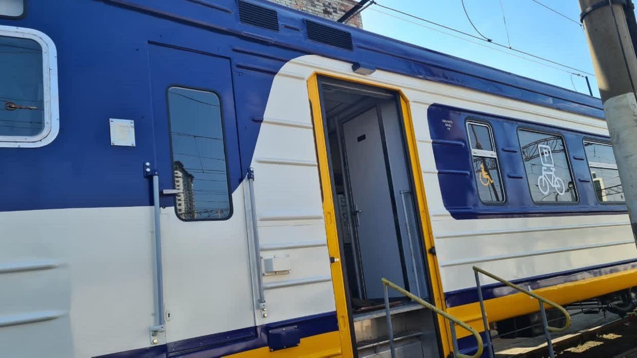 Укрзалізниця показала нові вагони електричок: у них з'явилася важлива функція