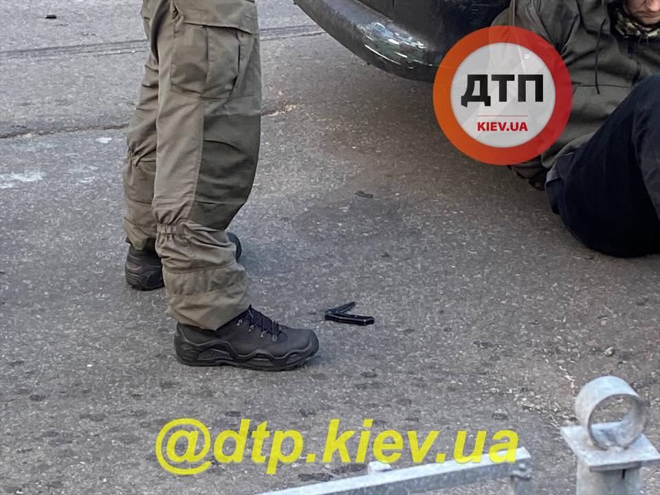 В Киеве сотрудник ПриватБанка с подельником взорвали банкомат и украли деньги: оба — бывшие зеки