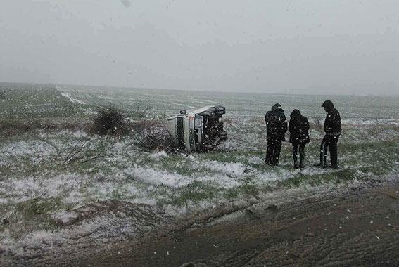ВОдесской области наскользкой дороге перевернулся микроавтобус