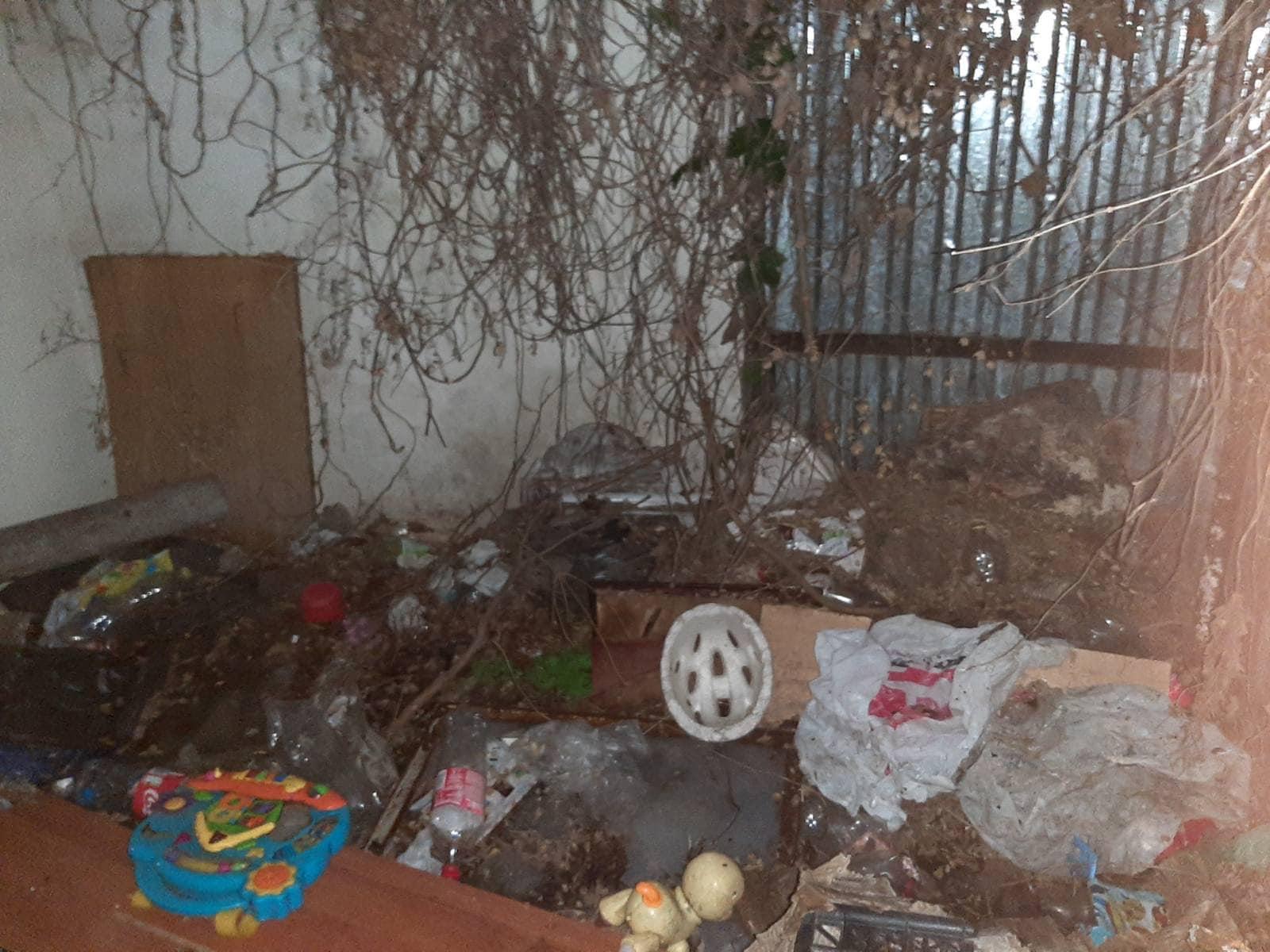 В Одесі у горе-батьків забрали дітей: вони просили їжу через кватирку