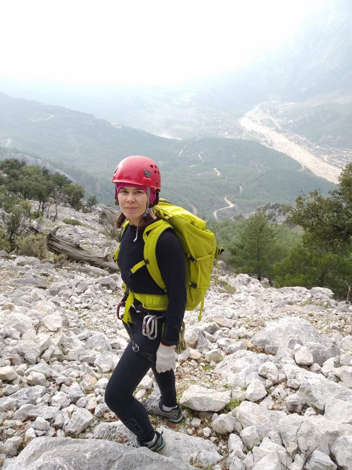 У горах Туреччини безслідно зникла українська туристка: рідні просять про допомогу