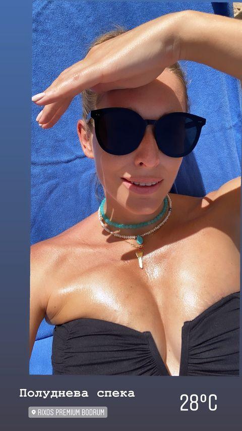 Красавица: беременная Катя Осадчая в купальнике показала округлившийся животик