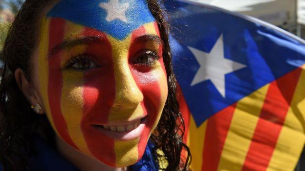 Творения Гауди агитировали занезависимость Каталонии: наулицы вышли тысячи людей