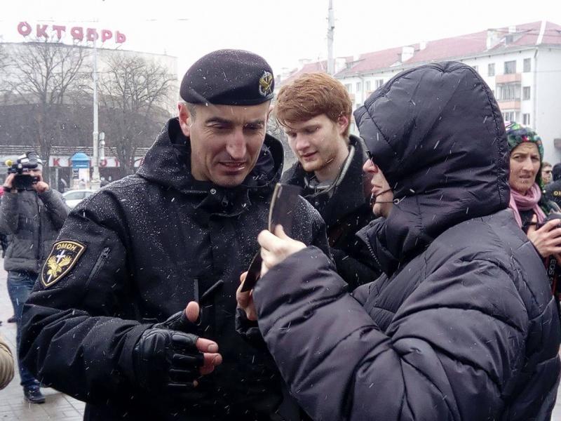 http://www.rbc.ua/static/ckef/img/1_17547251_1351072694958161_1382888996_o.jpg