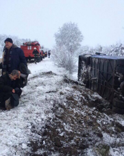 ВЛьвовской области перевернулся рейсовый автобус спассажирами