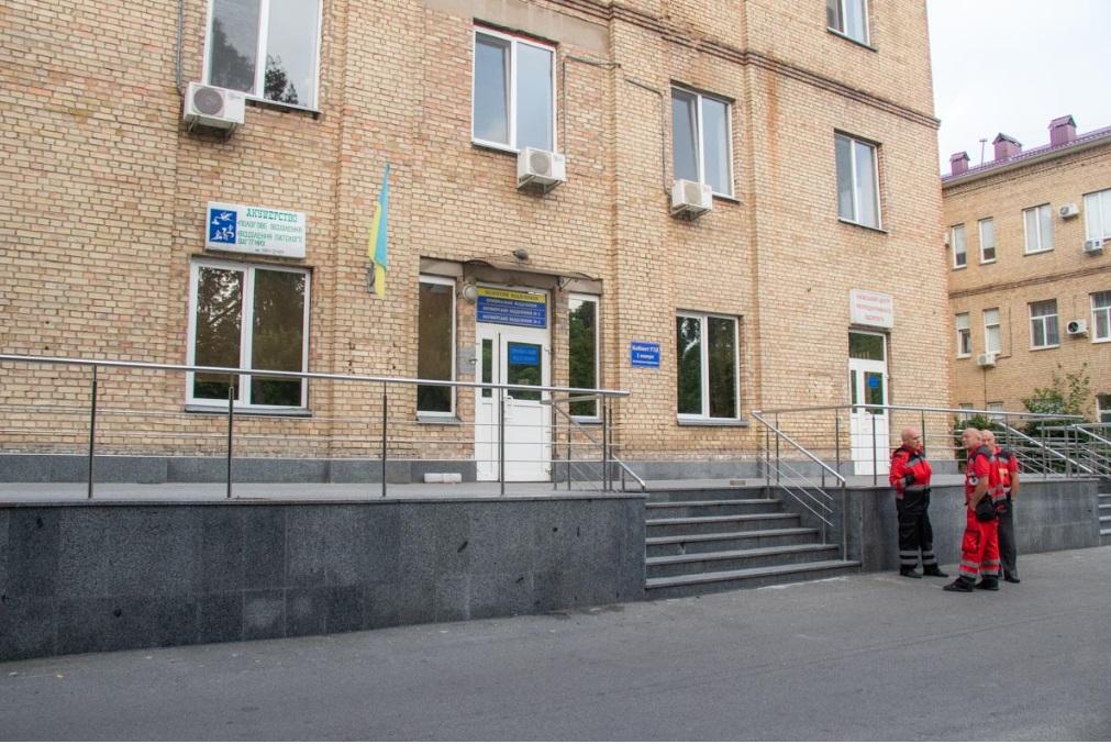 Жінка народила за трансформаторною будкою і втекла: деталі НП в Києві