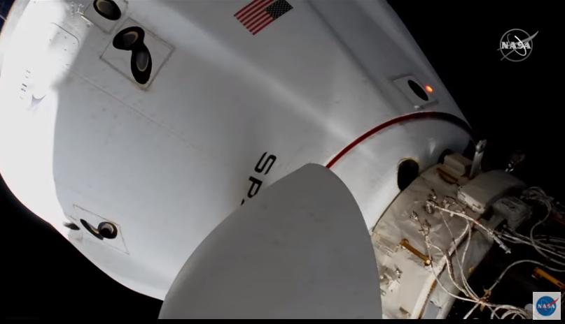 Crew Dragon перестыковался на МКС, чтобы освободить место для другого корабля