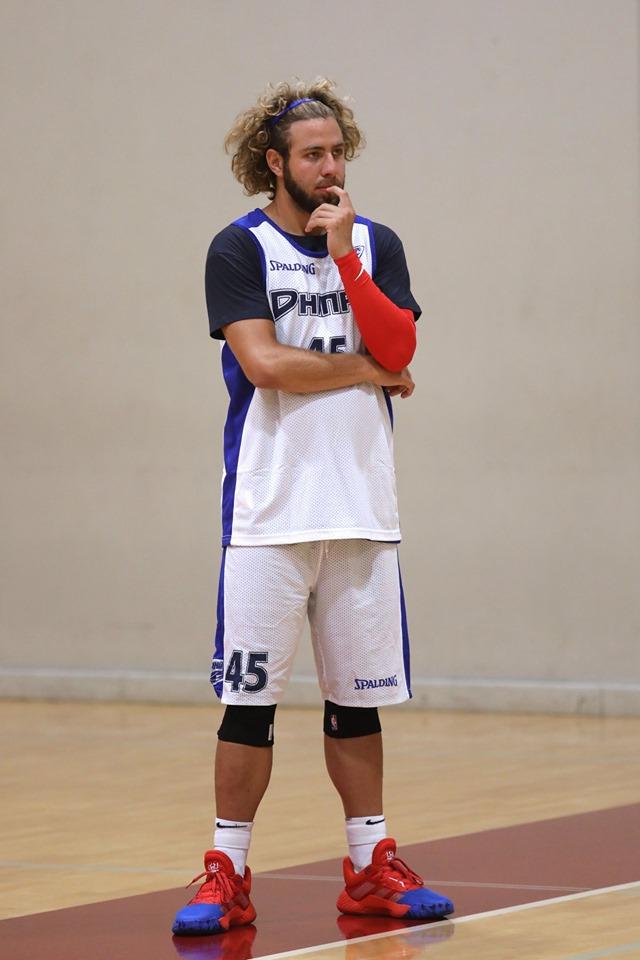 З'явилися свіжі фото сина Коломойського: спортивний, кучерявий і з бородою