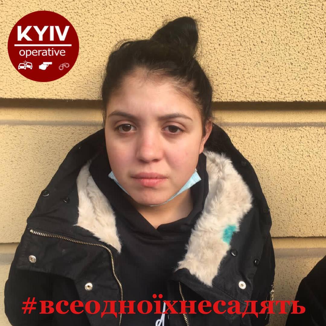 У Києві спіймали банду злодійок: серед них двічі судима 15-річна рецидивістка