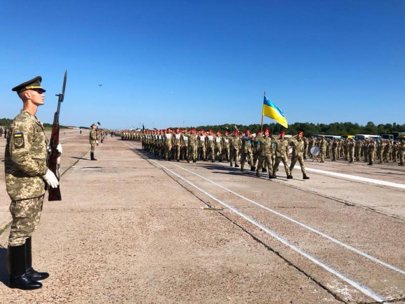 В параде ко Дню независимости в Киеве примут участие 4,5 тыс. военных, - Полторак