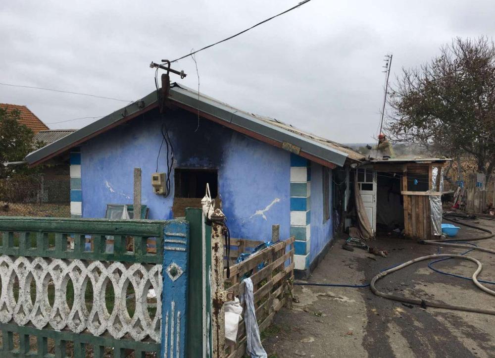 Під Одесою двоє малюків загинули через пожежу: батьки залишили їх самих удома