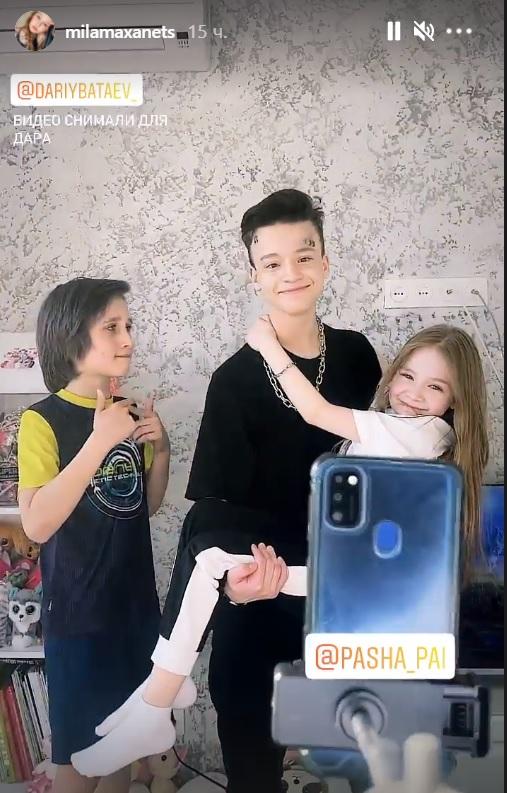 Скандальна 8-річна блогерка повернулася до 13-річного бойфренда і вони вже знімають нові відео