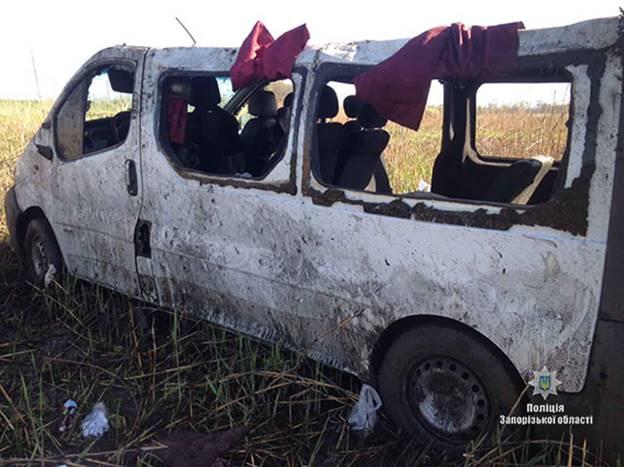 ВЗапорожской области перевернулась маршрутка спассажирами