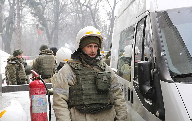 Під Радою посилили охорону: чергує близько 3800 правоохоронців