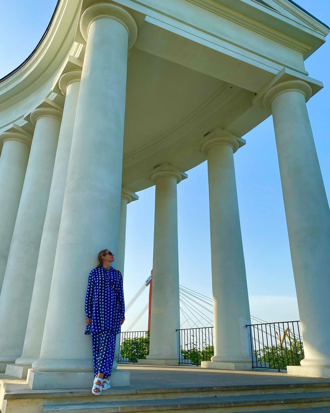 Такі щасливі! Вагітна Осадча в яскравому вбранні погуляла по Одесі з Горбуновим