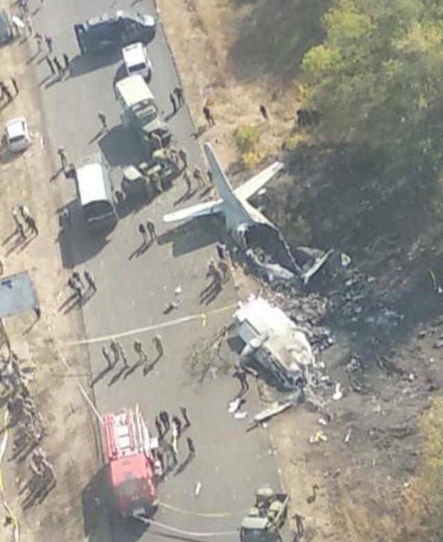 Выгорело все: в сеть попали снимки места крушения Ан-26 с высоты полета
