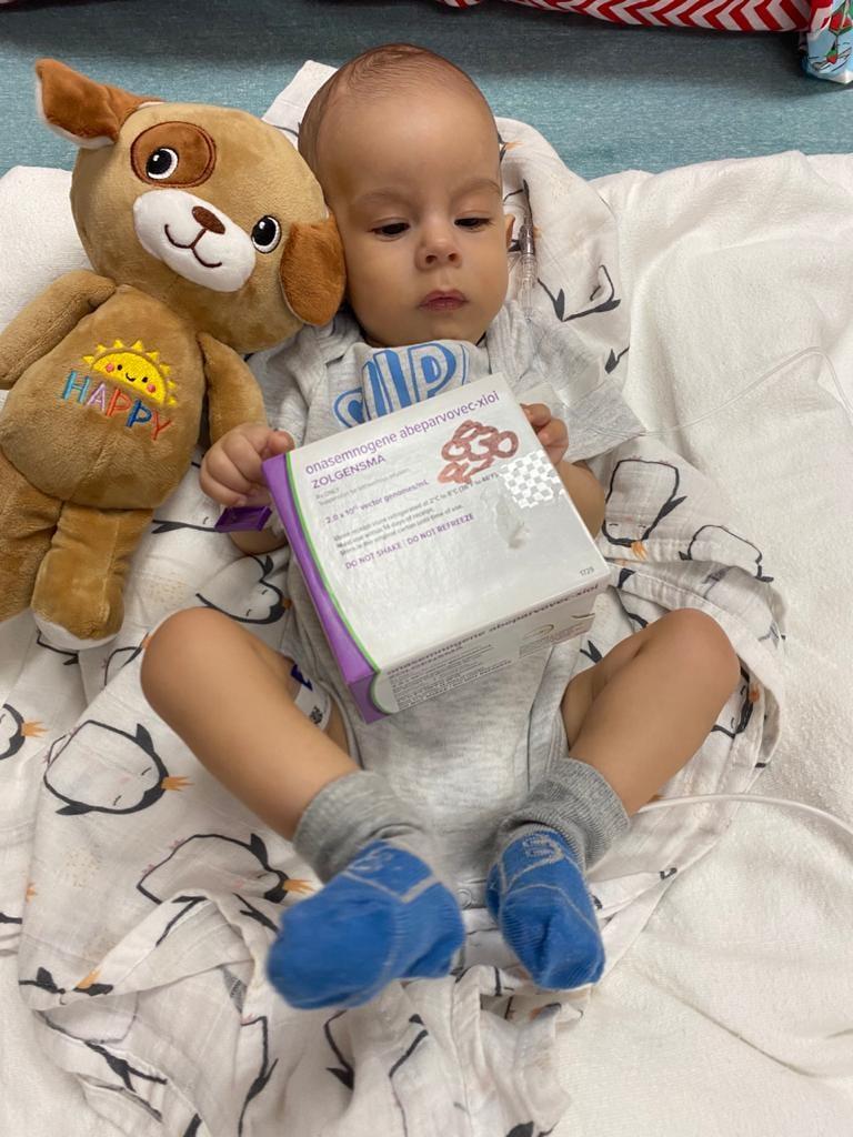 Хлопчик з Одеси з рідкісним захворюванням отримав найдорожчий укол у світі (фото)