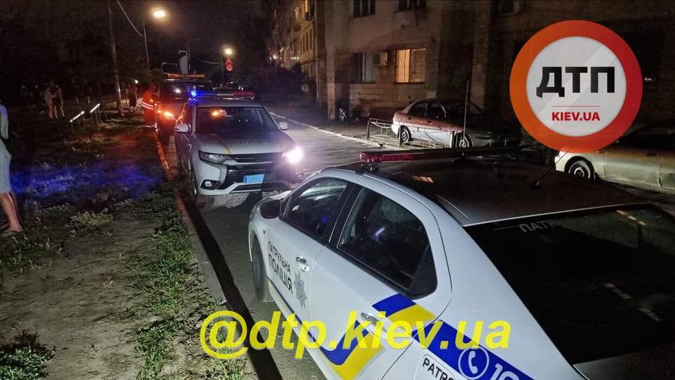 """Кияни мало не """"лінчували"""" п'яну водійку: у ДТП запідозрили суддю (відео та фото)"""