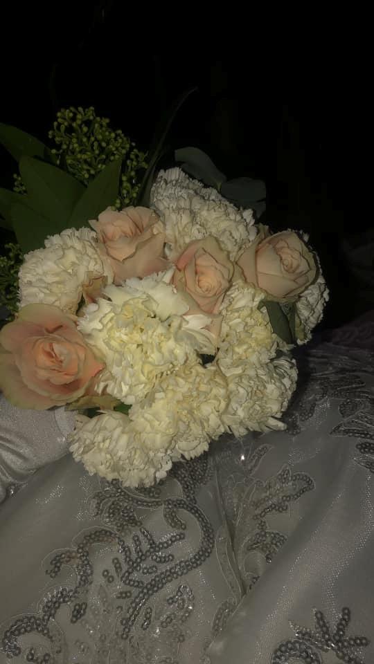 Звільнений з полону 19-річний моряк одружився: фото і відео урочистості